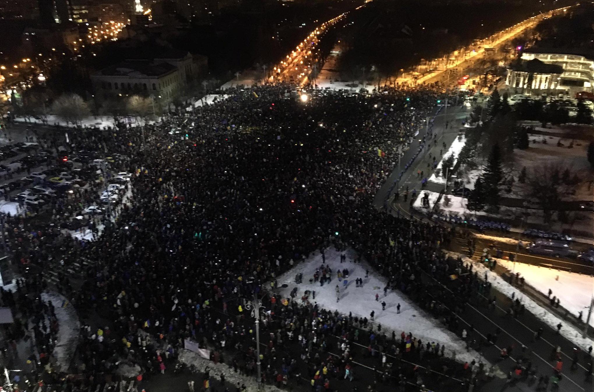 20:50 București - Eli Driu